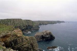 800px-Tory_Island_Cliffs_2005_08_10