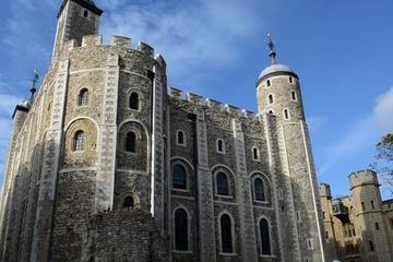 visita-privada-visita-a-pie-por-la-torre-de-londres-y-el-puente-de-la-in-london-118171